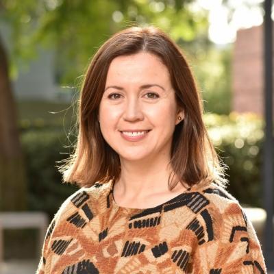 Professor Stephanie Correa receives 2020 Undergraduate Research Week Faculty Mentor Award